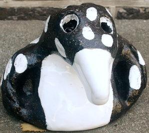 Pinguïn geboetseerd door Tina